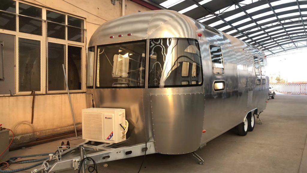 Chinese High Quality Airstream Food Truck / concession trailer replica
