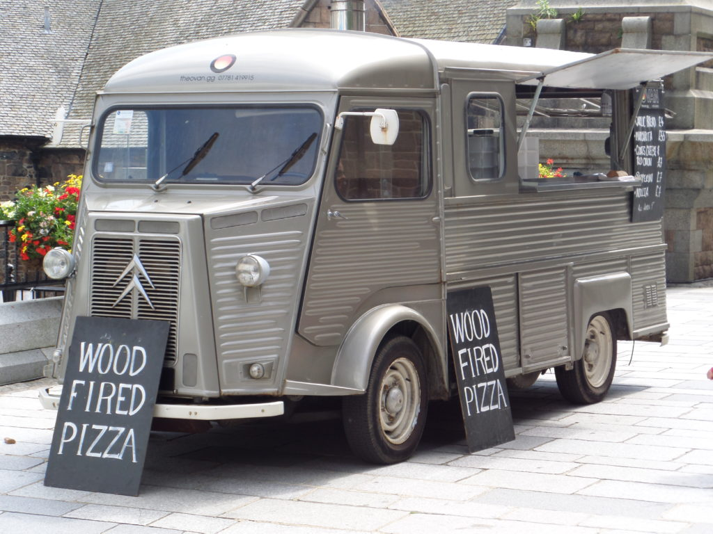 wood fired vintage pizza food truck