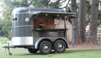 horsebox conversion , horse box bar