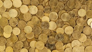 pile-of-gold-round-coins-106152